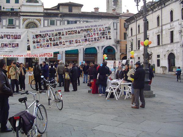 grande_manifestazione_delle_croci_brescia_2006_020