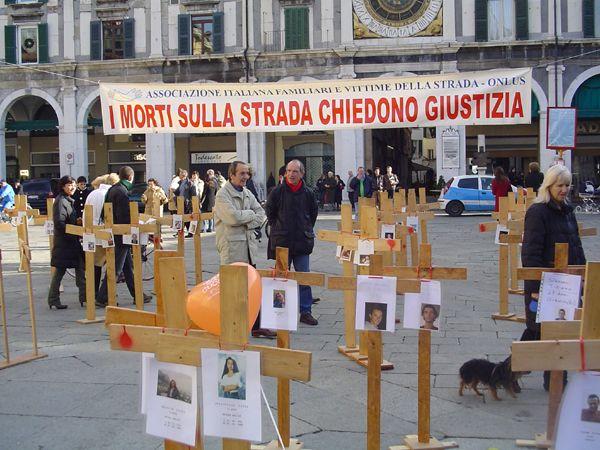 grande_manifestazione_delle_croci_brescia_2006_024