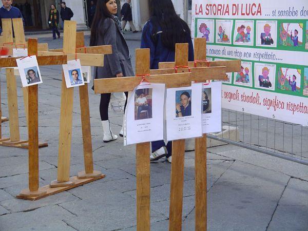 grande_manifestazione_delle_croci_brescia_2006_032