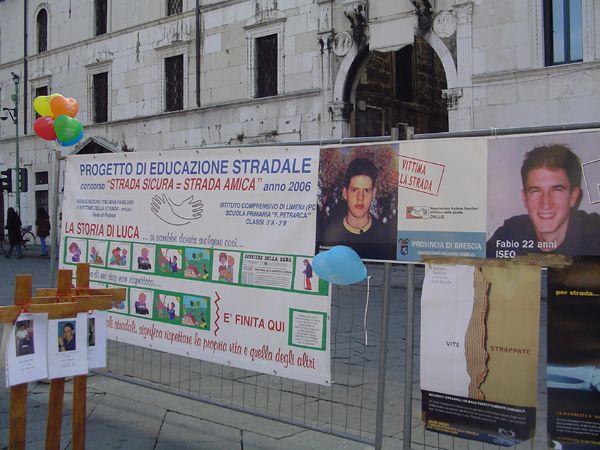 grande_manifestazione_delle_croci_brescia_2006_033